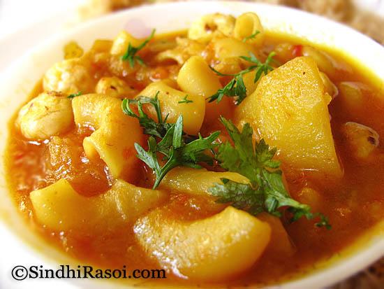Macroni potato and lotus seeds curry